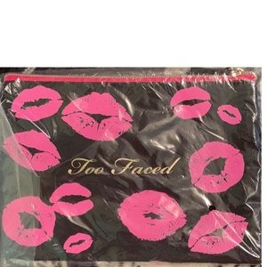 ⭐️NEW Too Faced  makeup case⭐️